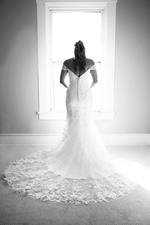 Lexington, Kentucky bride by Emily Coomes Photography